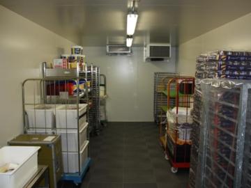 Temporären Kühlraum in Alu-Halle